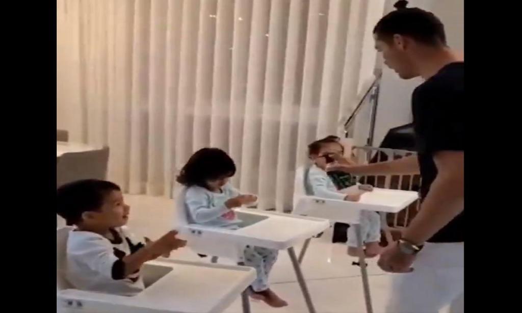 CRISTIANO RONALDO ATACA O CORONAVÍRUS